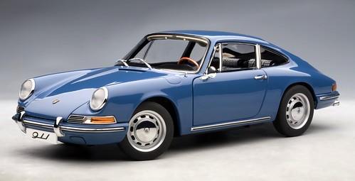 AutoArt Porsche 911 a