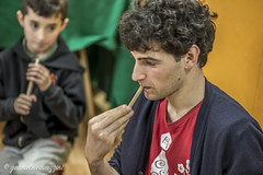 Mini Corso di magia e pillole di circo per ragazzi e adulti e anziani insieme