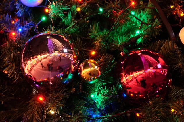 クリスマスツリーと東京スカイツリー