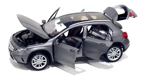 Norev Mercedes GLA-Klasse 2014 (2)