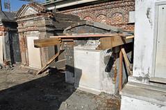 Arnoult tomb front