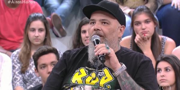 """João Gordo diz que pai o """"trancava por até 3 dias"""" para castigá-lo"""