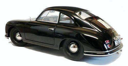 AutoArt Porsche 356 3-4 post