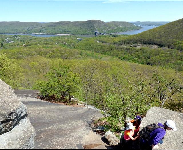 Climbing Popolopen Torne