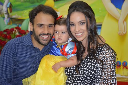 Família feliz se escreve assim, com João Paulo, Helena e Ana Paula