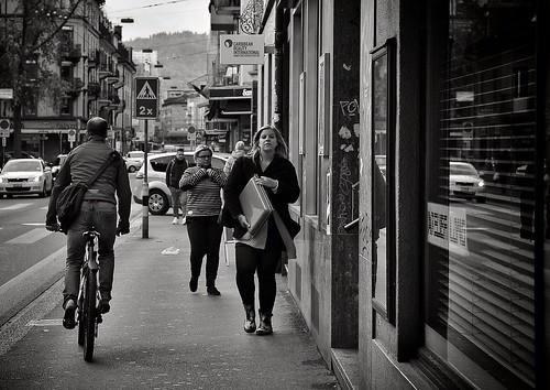 street city people urban bw sun streetart monochrome schweiz switzerland nikon faces swiss candid strasse zurich streetphotography streetportrait samsung streetlife streetscene stadt streetphoto zürich onthestreets strassenszene züri streetfashion langstrasse streetphotographer fascinationstreet schwarzundweiss 175528 streetphotographie streetpix zürichzurich strassenfotografie streetfotografie strasenfotografie stphotographia zürichstreet nikond300s snapseed streetartzüri thomas8047 streetphotographyschweiz zürichstreetphotography samsunggalaxys10