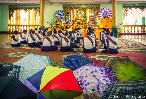 Woman Boeddhist School