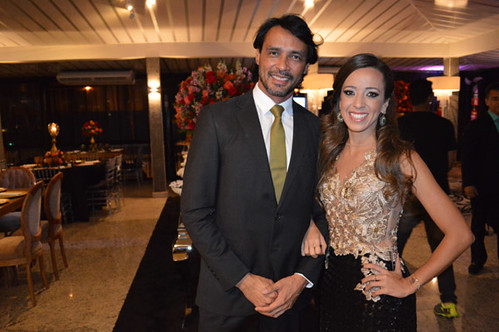 Flávio Osamu prestigiando a amiga Flávia Coelho