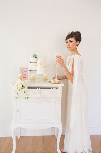 audreyinspiredweddingcaketable