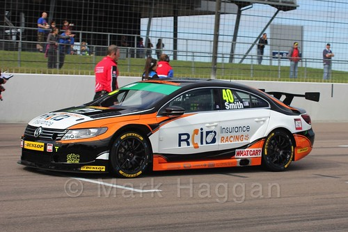 Árón Smith on the grid at the BTCC weekend at Rockingham, September 2015