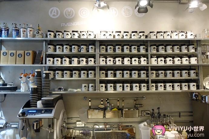 [桃園.美食]TOHA COFFEE 二哈單品咖啡館.充滿美國隊長的身影~近桃園火車站.店內亦有供應輕食、便當 @VIVIYU小世界