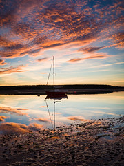 """Find horn Bay Sunset III • <a style=""""font-size:0.8em;"""" href=""""http://www.flickr.com/photos/26440756@N06/21808351132/"""" target=""""_blank"""">View on Flickr</a>"""