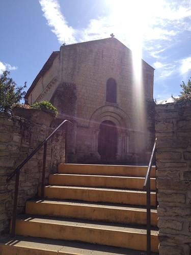 Une église sous le soleil