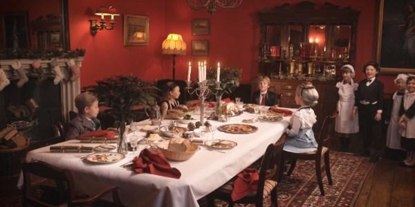 """Crianças imitam personagens de """"Downton Abbey"""" em paródia da série"""