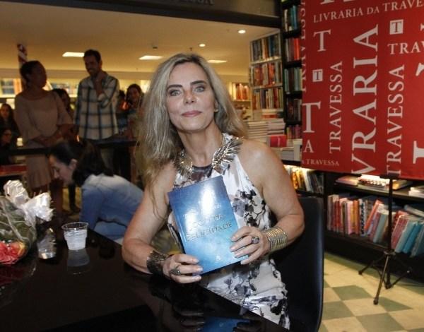 """Bruna Lombardi recebe convite para voltar à TV: """"Coisas estão caminhando"""""""
