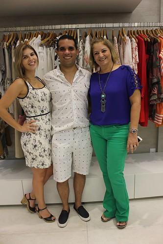 Ricardo entre Lorena e Marilda Siman