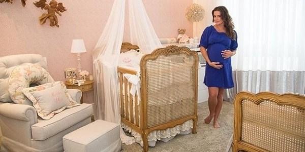 Nasce Maria Flor, filha de Deborah Secco com o modelo Hugo Moura