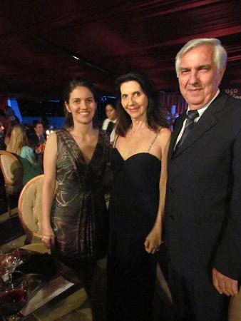 Ana Paula com os pais Suely e Rogério Leal
