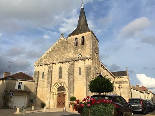 L'église de Lussac-les-châteaux