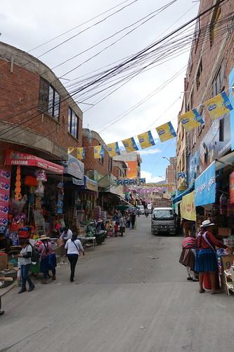 Nous voici dans le sud de la ville, là où se concentrent les marchés