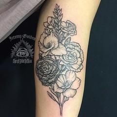 Flowers for @k.loomisss. Thank you!  . . #eyeofjadetattoo #eyeofjade #jeremygolden #jeremy_golden #jeremygoldentattoo #flowers #flowertattoo #blackwork #blackworkerssubmission #darkartists #blacktattoomag #blxckink #blacktattooart #onlyblackart #btattooin