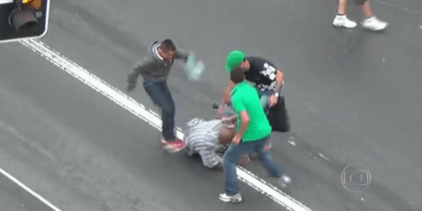 Apresentador da Globo se revolta após exibir flagrantes de roubos no Brás