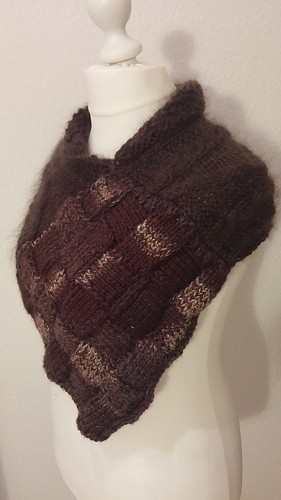 """Entrelac Schulterwrap II • <a style=""""font-size:0.8em;"""" href=""""http://www.flickr.com/photos/92578240@N08/22427920191/"""" target=""""_blank"""">View on Flickr</a>"""