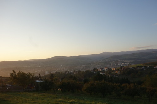 Mardi matin, nous traversons de nombreux vergers et approchons de Cellieu