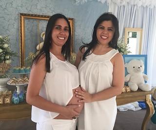 Didiane e a irmã, Ge, que ajudou-a na confecção dos personalizados