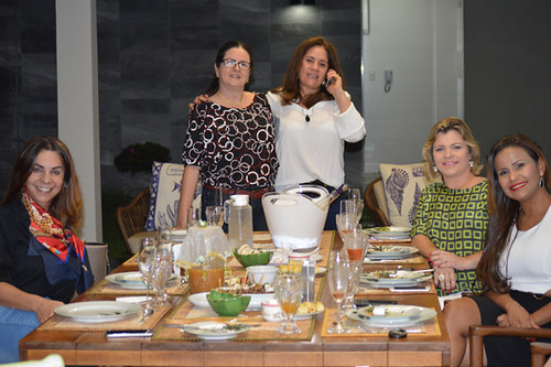 Valéria, Ana, Terezina, Derlaine e Michele