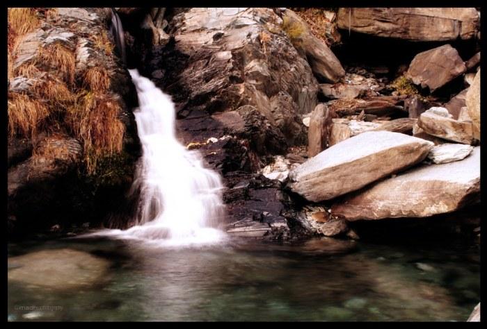 bhagsu water falls