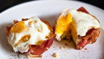 Ei in ham in de oven @ Flickr