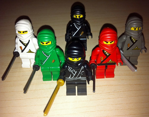 LEGO Collectible Minifigures Series 1 Ninja vs. Castle Ninja