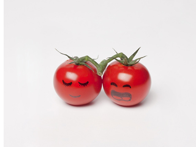 Shy tomatoes