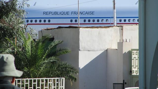 Libye 2011 - Arrivée de l'avion militaire français à l'aéroport de Sebha