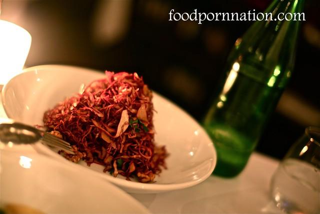 Red cabbage, raisins, dolce latte, walnuts, balsamic