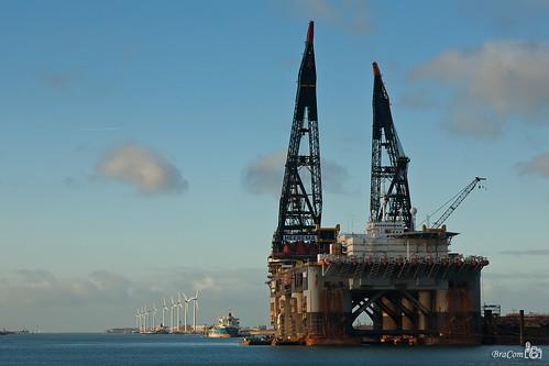 Thialf, Deepwater Construction Vessel