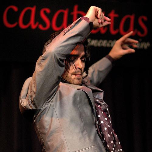 Pol Vaquero bailando en Casa Patas. Foto: Martín Guerrero