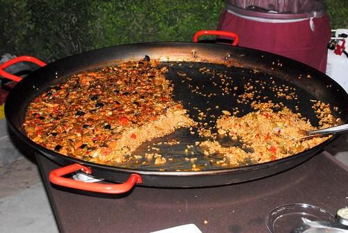 Jaleo paella de verduras de temporada (seasonal vegetable paella), gazpacho