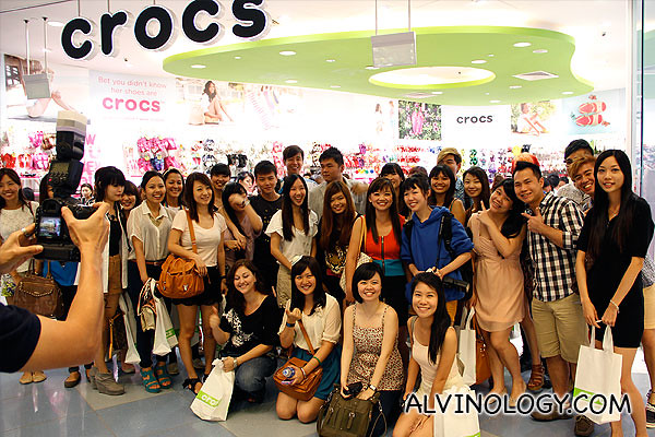 50+ bloggers gathered for the evening at Crocs VivoCity