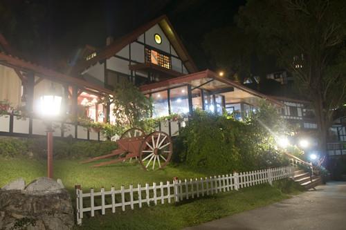 HOTEL SELVA NEGRA DE NOCHE