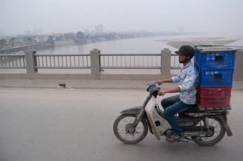 Honda Dream am Roten Fluß