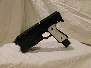 Alyx's Gun - Left