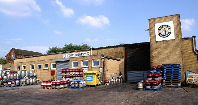 staffs - titanic brewery burslem exterior 30-6-06 JL