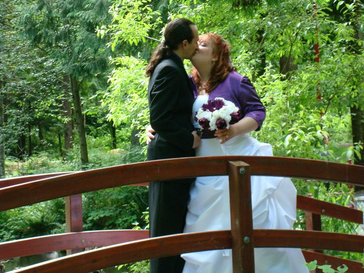 Kissing on the bridge