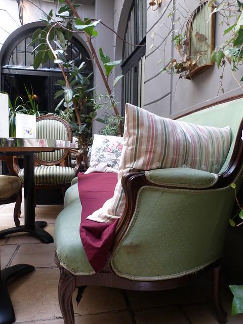 Le Dome du Marais tea room couch