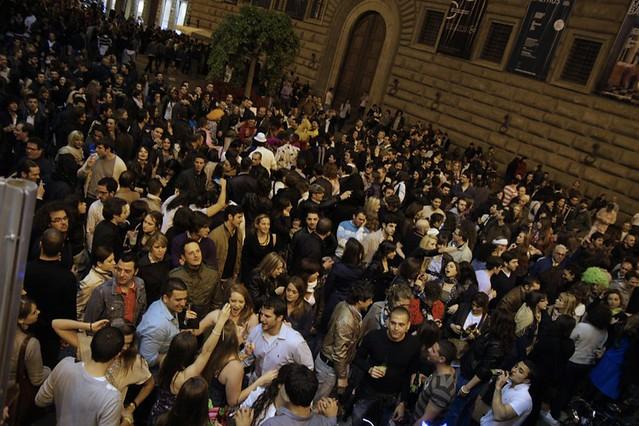 Notte Bianca - Firenze - 30 aprile 2010 - Piazza strozzi vista dal bus di I LOVE DISCO