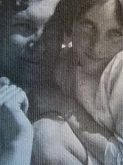 """Angelica Garnett, Ingannata con dolcezza, La Tartaruga edizioni 2011; Art director: Mara Scanavino, alla cop.: """"Angelica Garnett con i fratelli Julian e Quentin Bell, fotografati dalla madre Vanessa Bell (1930-1932 ca.) @ Tate, Londra 2011""""; cop. (part.),"""