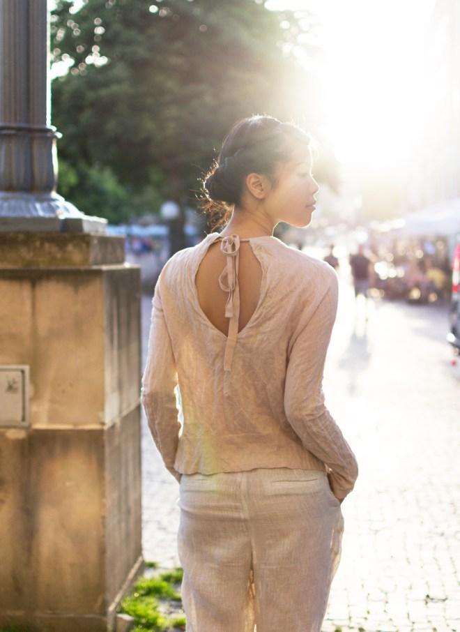 Luftige Kleidung für einen Sommerabend