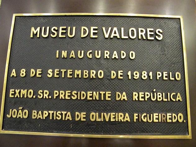 "A entrada do Museu da ""Bufunfa"""